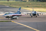Fokker F-16AM Fighting Falcon 686 and Fokker F-16BM Fighting Falcon 305
